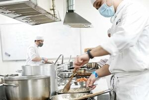 5 reasons why you should become a chef in Australia